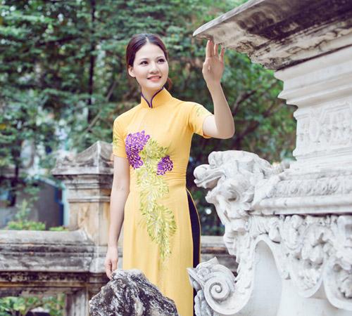 Trần Thị Quỳnh điệu đà áo dài vàng chanh - 19