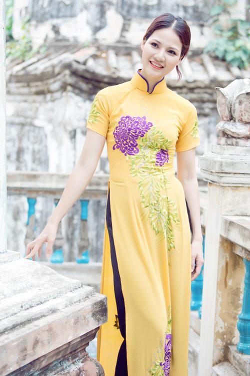 Trần Thị Quỳnh điệu đà áo dài vàng chanh - 20