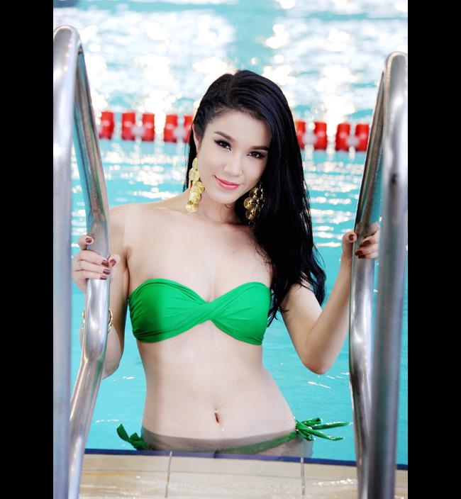 Diệp Anh diện bikini khoe ba vòng sexy   Bỏng mắt trước vẻ sexy của Hải Yến  Bích Khanh khoe sắc vóc với bikini Ngắm ba vòng gợi cảm của Miss Teen Thu Hà