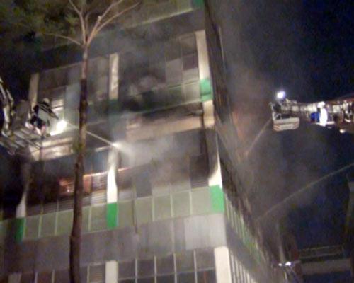 Cháy lớn, 250 cảnh sát PCCC đến dập lửa - 5