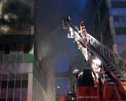Cháy lớn, 250 cảnh sát PCCC đến dập lửa - 7