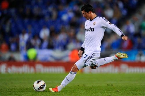 Real: Cái đầu Mourinho, đôi chân Ronaldo - 2
