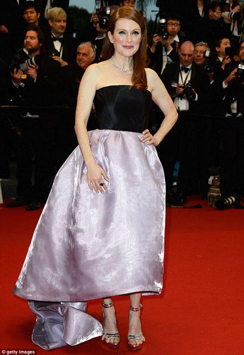 Cindy Crawford hút mắt ở thảm đỏ Cannes - 12