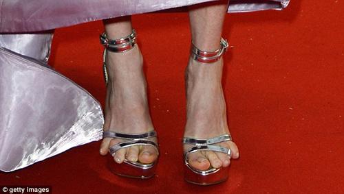 Cindy Crawford hút mắt ở thảm đỏ Cannes - 13