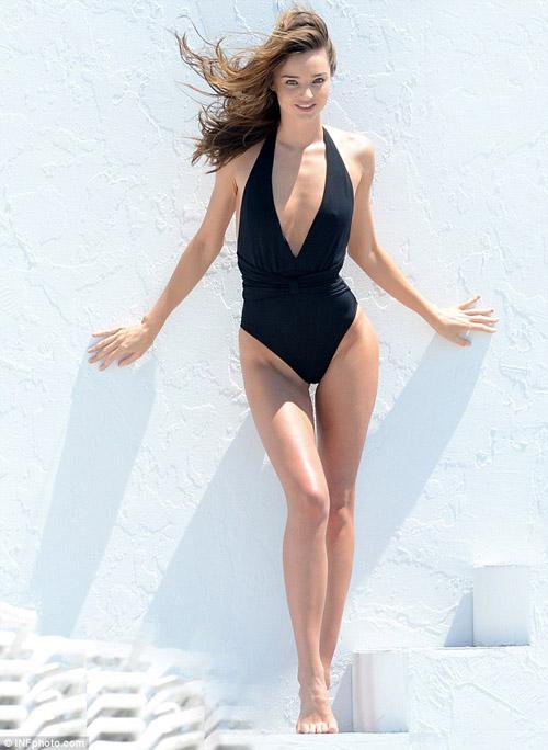 Cindy Crawford hút mắt ở thảm đỏ Cannes - 15