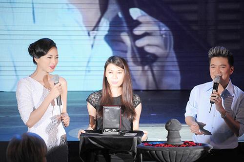 Vân Ngô bán trang sức giá 50 ngàn USD - 1