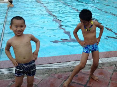 Nắng nóng, dạy bơi vào mùa làm ăn - 3