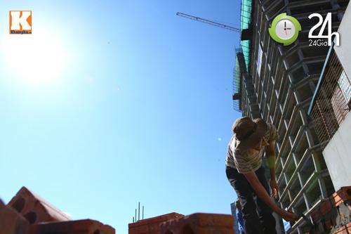 Vật vã mưu sinh trong nắng gắt 40 độ C - 1