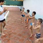 Giáo dục - du học - Nắng nóng, dạy bơi vào mùa làm ăn