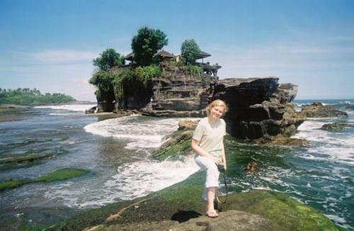 Những ngôi đền đẹp mê hồn trên đảo Bali - 1
