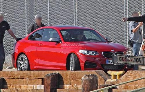 Chộp BMW 2 series đầu tiên trên phố - 2