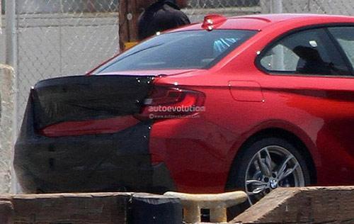 Chộp BMW 2 series đầu tiên trên phố - 5