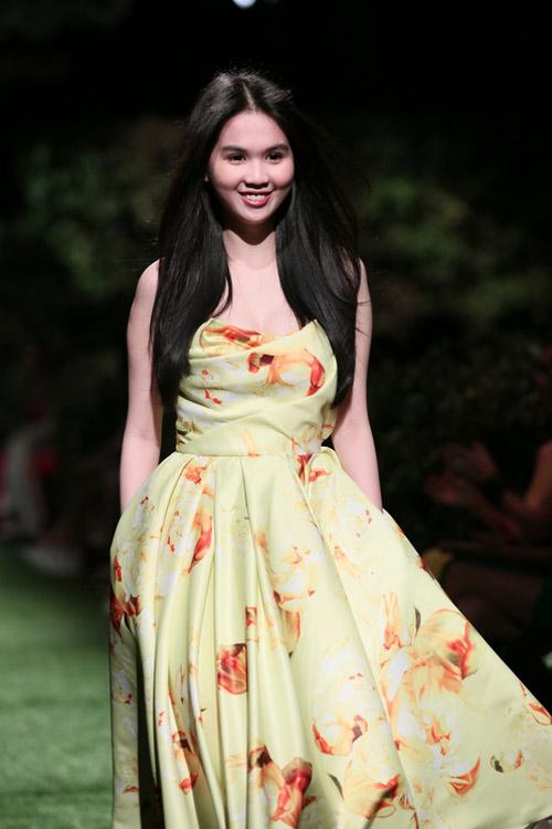 Ngọc Trinh mở màn show Đỗ Mạnh Cường - 6