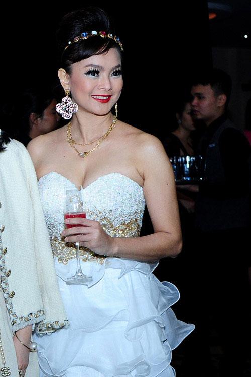 Choáng với mẹ chồng Hà Tăng - 7