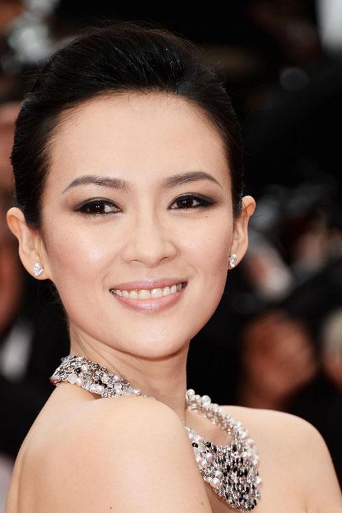 """Phạm Băng Băng """"chơi trội"""" tại Cannes - 9"""