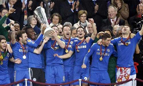 Chelsea: Abramovich lấy Cup kiểu đại gia - 1