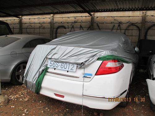 Lộ diện tài xế của xe ô tô tông chết người - 2