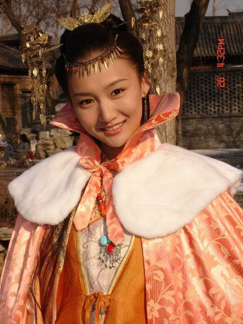 Lộ diện bạn gái mới của con trai Trương Quốc Lập - 5