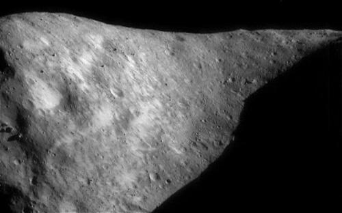 Thiên thạch khổng lồ sắp bay qua Trái đất - 1