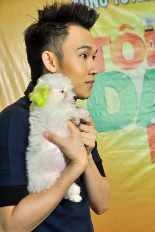Dương Triệu Vũ đưa thú cưng đi hát, Ca nhạc - MTV, duong trieu vu, quan quan cdhh, gameshow moi, toi dam hat, cho cung, coco, ca sy, ngoi sao, ca nhac