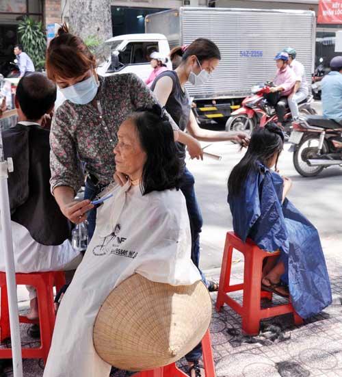 1368875211-bua-com-nguoi-ngheo-hinh-22