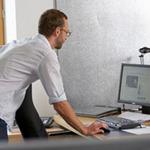 Sức khỏe đời sống - Mẹo chấm dứt cơn đau lưng cho dân văn phòng