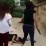 An ninh Xã hội - Clip: Thiếu nữ chém người gục tại chỗ