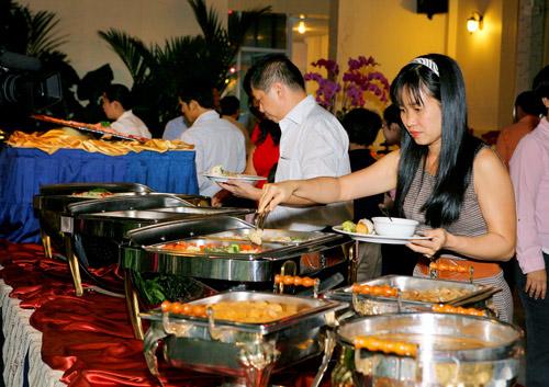 Buffet ngon Sài Gòn - 1