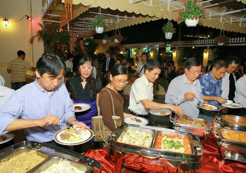Buffet ngon Sài Gòn - 2