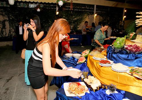 Buffet ngon Sài Gòn - 11