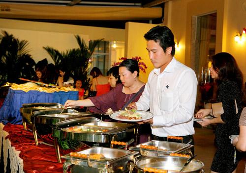 Buffet ngon Sài Gòn - 12