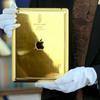 Thuê khách sạn, được phát iPad nạm vàng