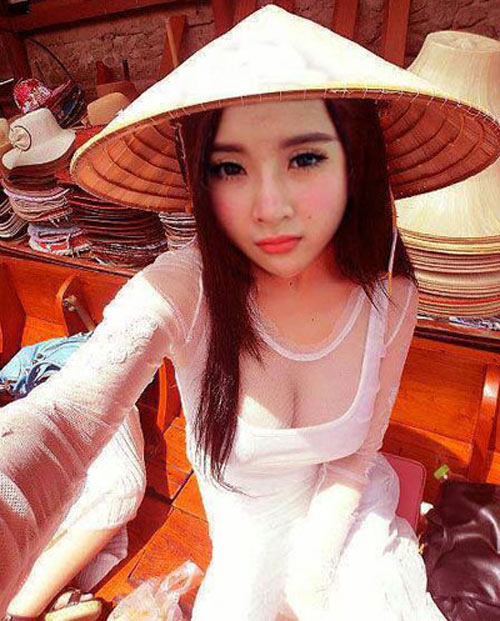Mỹ nhân Việt mỏng hóa giá trị áo dài - 1