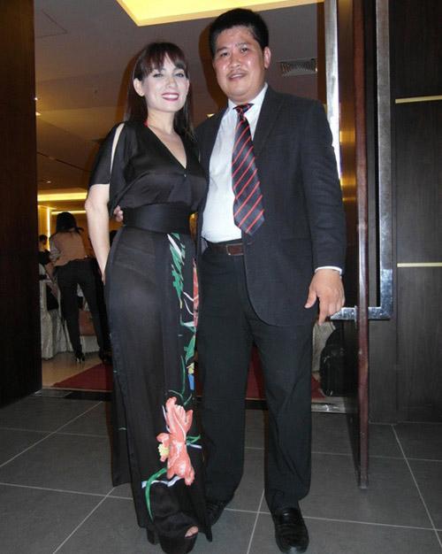 Mỹ nhân Việt mỏng hóa giá trị áo dài - 2