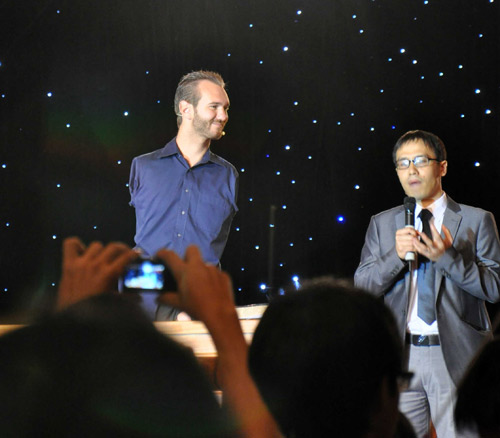 Nick Vujicic: CEO cần lãnh đạo gia đình trước - 5