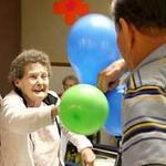 Giáo dục - du học - Tốt nghiệp ĐH, cụ bà 85 tuổi có ngay việc làm