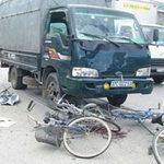 Tin tức trong ngày - Đi ôn thi bị xe tải đâm, 6 HS thương vong