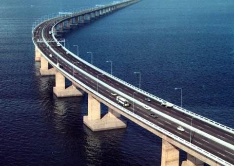 10 cây cầu dài nhất thế giới khiến du khách mê mẩn - 4
