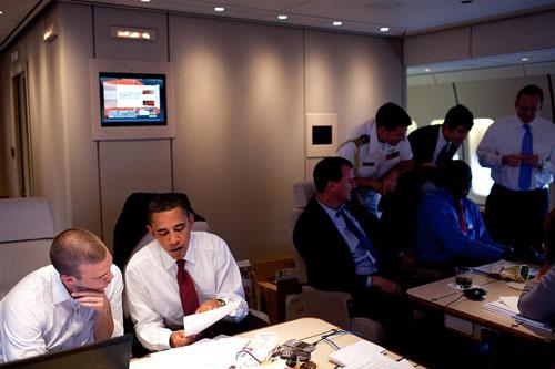Mỹ chi 18 triệu USD làm điện thoại cho Obama - 2