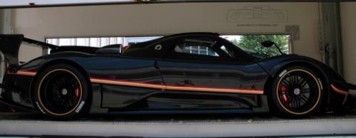Zonda R Evolution giá khủng lộ diện - 3