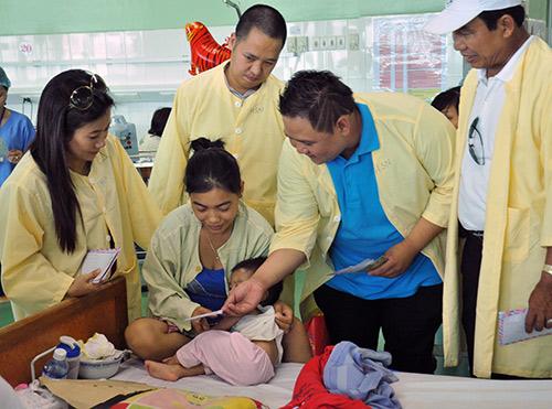 Minh Béo quyên góp gần 300 triệu từ thiện - 18
