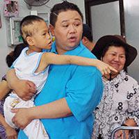 Minh Béo quyên góp gần 300 triệu từ thiện