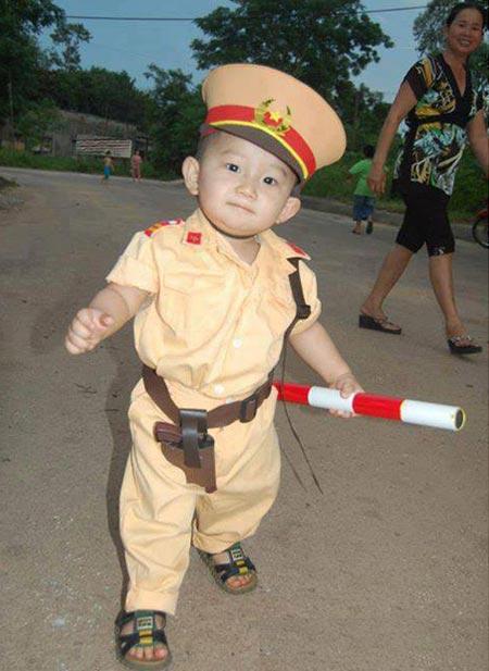 10 hình ảnh vui về cảnh sát giao thông - 10