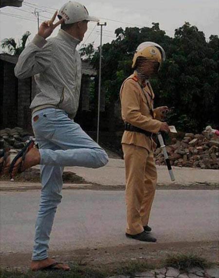 10 hình ảnh vui về cảnh sát giao thông - 5
