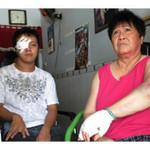 An ninh Xã hội - 2 mẹ con bị chém trước cửa nhà lúc nửa đêm