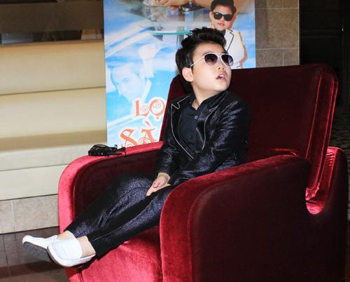 """Psy nhí """"chuốc rượu"""" Hoàng Mập - 8"""