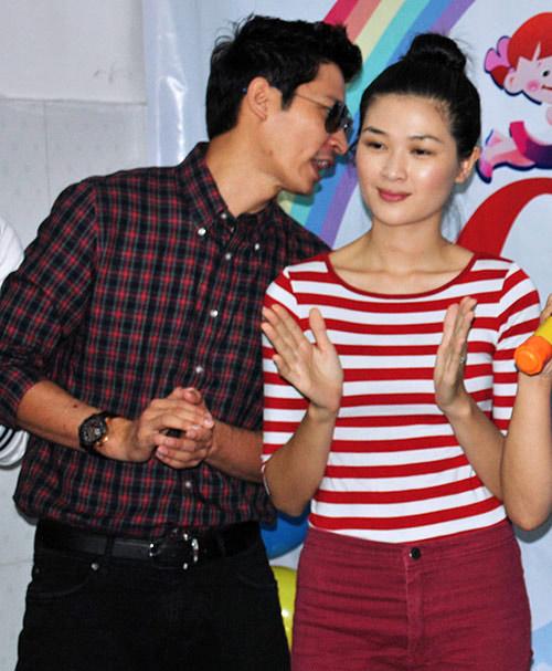 Huy Khánh không rời vợ mới nửa bước - 13