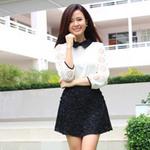 Bạn trẻ - Cuộc sống - Hot girl Midu trẻ trung với váy ngắn