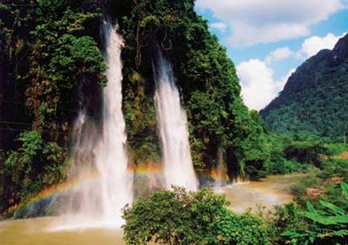 4 SV tử nạn: Nước mắt ở thác Mưa Rơi - 1