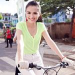 Thời trang - Diễm Hương hào hứng đạp xe